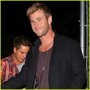 Chris Hemsworth Shows Off New Super Short Haircut!