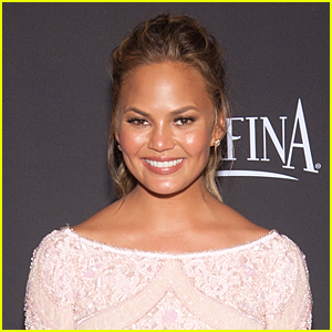 Chrissy Teigen Mourns the SkyMall Demise With Epic Tweets