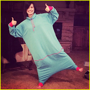 Demi Lovato Looks Ready for the New Year In Her Latest Fashion Trend!