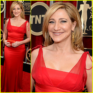Edie Falco Goes Red on the Red Carpet at the SAG Awards 2015