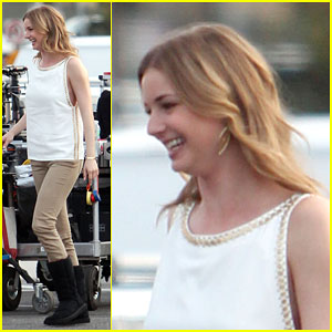 Emily VanCamp Brings a Rare Smile to the 'Revenge' Set