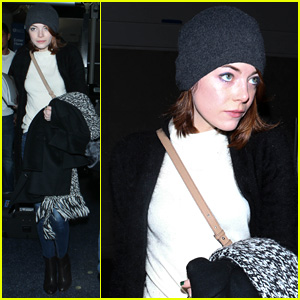 Emma Stone Lands in Los Angeles for Golden Globes 2015