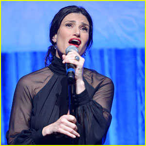 Idina Menzel to Belt Out the National Anthem at the Super Bowl