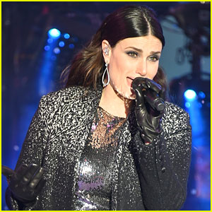 Idina Menzel Responds to Critics of Her New Year's Eve Performance