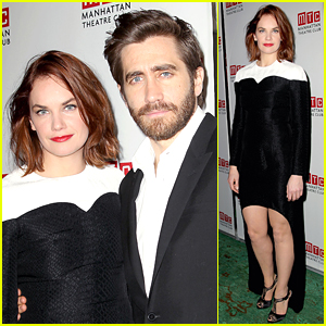 Jake Gyllenhaal & Ruth Wilson Get Raves for 'Constellations'!