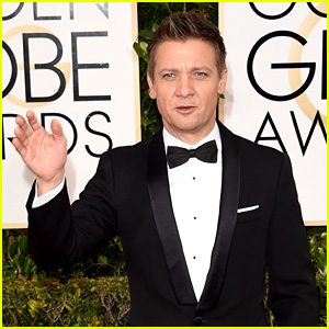 Jeremy Renner Jokes About Jennifer Lopez' Chest During Golden Globes 2015 (Video)