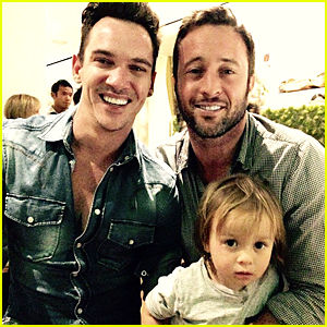 Jonathan Rhys Meyers & Alex O'Loughlin Have 'August Rush' Reunion on New Year's Day