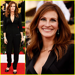 Julia Roberts Picks a Jumpsuit for SAG Awards 2015 Red Carpet