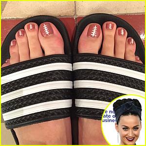 Katy Perry Gives Sneak Peek of Super Bowl 2015 Halftime Look