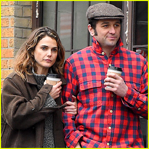 Keri Russell & Matthew Rhys Couple Up for Rainy Brooklyn Stroll