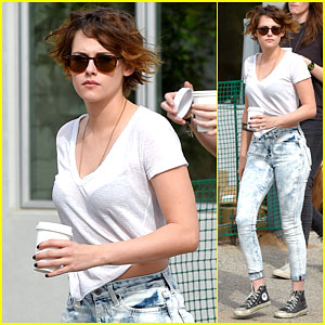 Kristen Stewart Hangs Out with Friends After Returning From Paris Fashion Week