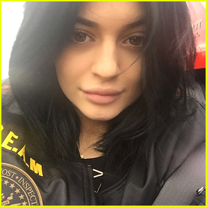 Kylie Jenner Shares a Rare Makeup Free Selfie with the World