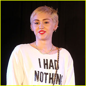 Miley Cyrus Thinks Young People Need to See Sex As An Open Conversation