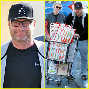 Naomi Watts & Liev Schreiber Are a Happy Couple Grocery Shopping Together