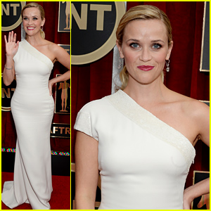 Reese Witherspoon Looks All Ready for the SAG Awards 2015 Show!