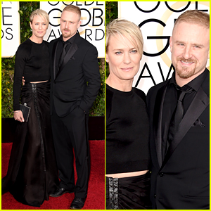 Robin Wright & Ben Foster Are Back On at Golden Globes 2015!