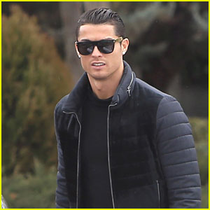 Cristiano Ronaldo Spends Time with His Son Before a Big Game