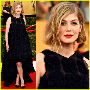Rosamund Pike Is Certainly Amazing at the SAG Awards 2015
