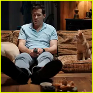 Ryan Reynolds' Cat Tries to Get Him to Murder in 'The Voices' Trailer - Watch Now!