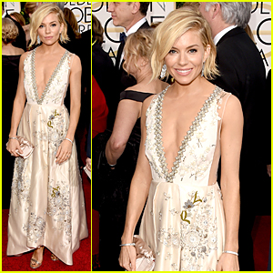 Sienna Miller Takes the Sexy Plunge on Golden Globes 2015 Red Carpet
