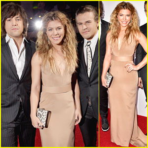 The Band Perry Make It a Family Affair at People's Choice Awards 2015