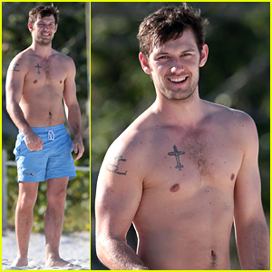 Alex Pettyfer Goes Shirtless Sexy for Miami Beach Day!