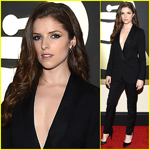 Anna Kendrick is Already a Little Scared at Grammys 2015