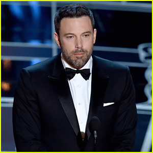 Ben Affleck Presents Best Director Award at Oscars 2015