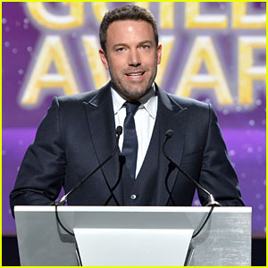 Ben Affleck Takes the Stage at Writers Guild Awards 2015