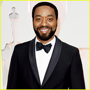 Chiwetel Ejiofor Keeps it Classic for Oscars 2015 Red Carpet
