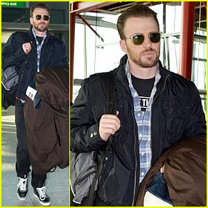 Chris Evans Dresses Down & Still Looks Like a Stud