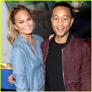 Chrissy Teigen & John Legend Enjoy the Super Bowl 2015 After His Big Performance!