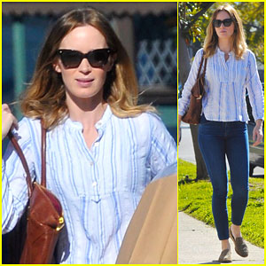 Emily Blunt Keeps Her Hands Full After a Big Shopping Trip