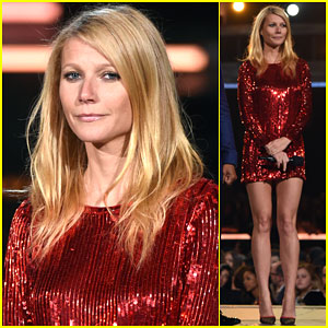 Gwyneth Paltrow Introduces Her BFF Beyonce at Grammys 2015!
