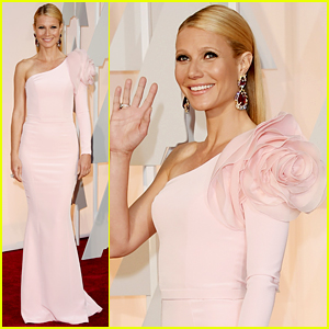 Gwyneth Paltrow Has a Giant Shoulder Flower at Oscars 2015