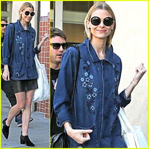 Jaime King Steps Out After Announcing Baby News