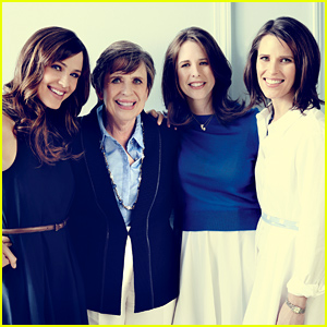 Jennifer Garner Shares 'Southern Living' Spread with Lookalike Mom & Sisters!