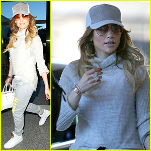 Jennifer Lopez   Casper Smart Caught Dancing Together (Video ... 0de5b5f113f
