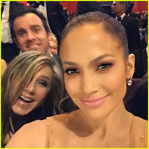 Jennifer Lopez Gets Photobombed By Jennifer Aniston, Snaps Epic Selfie with Meryl Streep at Oscars 2015!