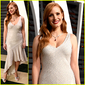 Jessica Chastain Switches It Up for Vanity Fair Oscar Party 2015