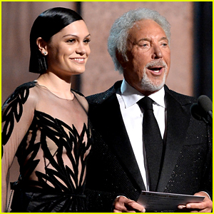 Jessie J & Tom Jones Perform a Classic Song at Grammys 2015