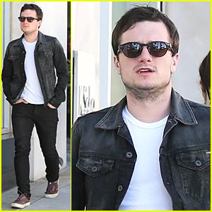 Josh Hutcherson & Dianna Agron Flirted at Pre-Oscar Bash?