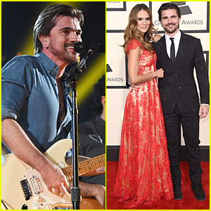 Juanes Performs Spanish Song at Grammys 2015 (Video)