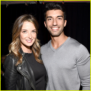 Jane The Virgins Justin Baldonis Wife Emily Is Pregnant Video