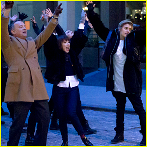 Justin Bieber & Tom Hanks Dance Down Streets for Carly Rae Jepsen's New Music Video Shoot