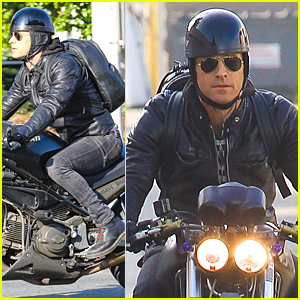 Justin Theroux Rides Motorcycle Around Town Before Oscars 2015 ...
