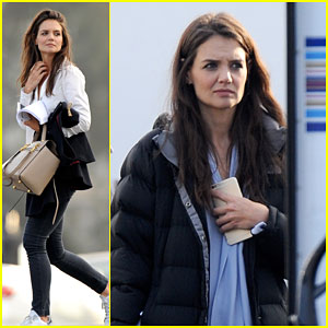 Katie Holmes Gets Busy on the 'Ray Donovan' Set