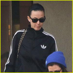 Katy Perry Attempts to Sue Over Left Shark Memorabilia