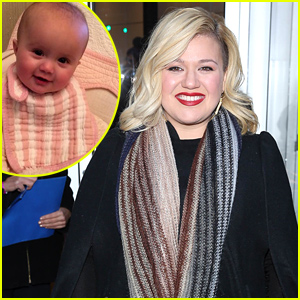 Kelly Clarkson Live-Tweeted the Grammys 2015, Tried to Marry Off Her Daughter - Read the Tweets!