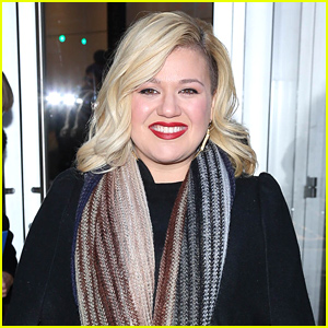 Kelly Clarkson Had a Vocal Scare Post-Pregnancy: I Cried & Drank Wine All Day